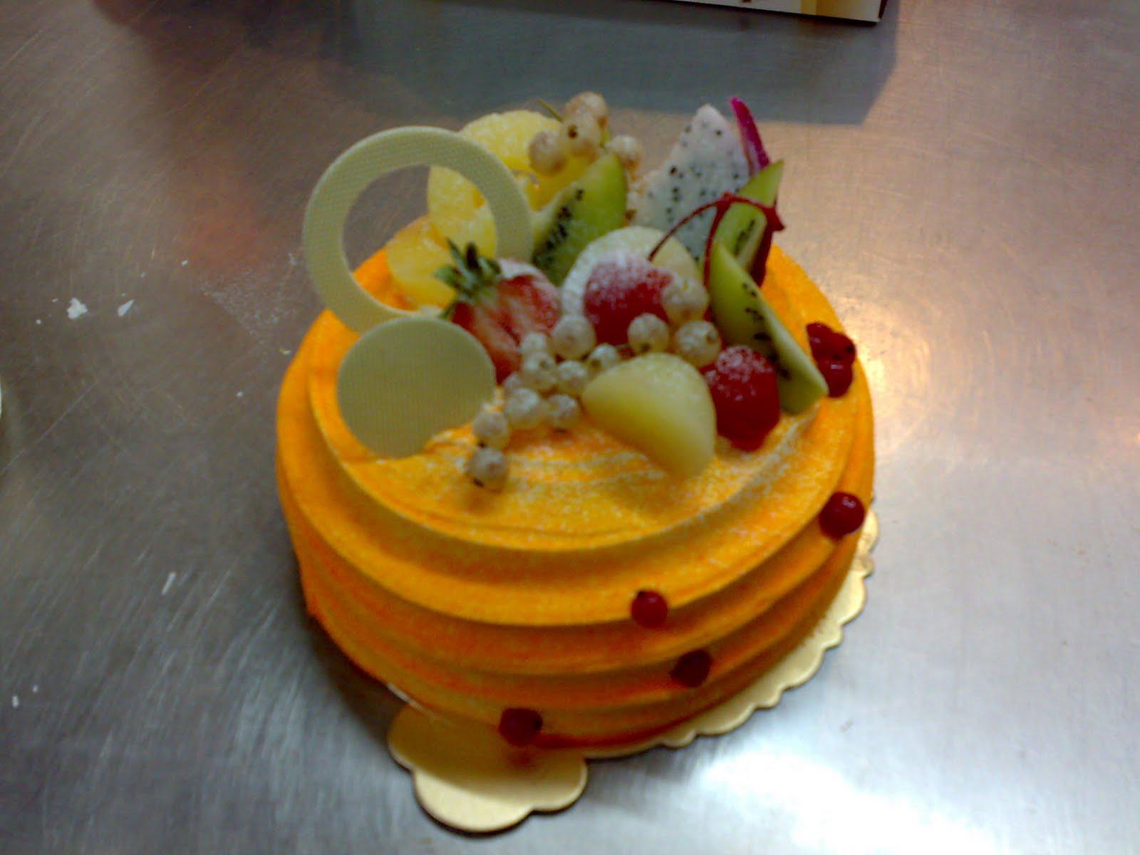 Cake Decoration Fresh Cream : Mummy s Cake: Birthday Cake
