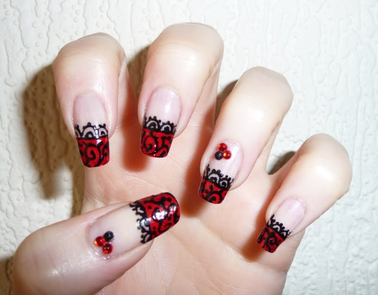 spot red and black lace nail