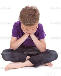 صورة صبي حزين جدا