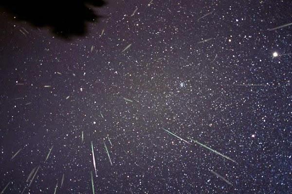 Malam Ini Puncak Hujan Meteor June Bootid