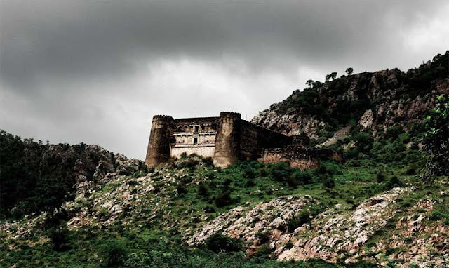 Bhangarh Fort- Haunted Place in India