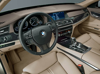 2009 BMW 7-Series interior