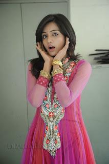 Vithika Sheru Gorgeous Pictures Gallery 026