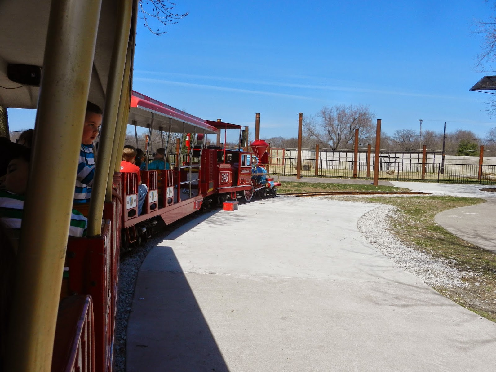 Niabi Zoo train