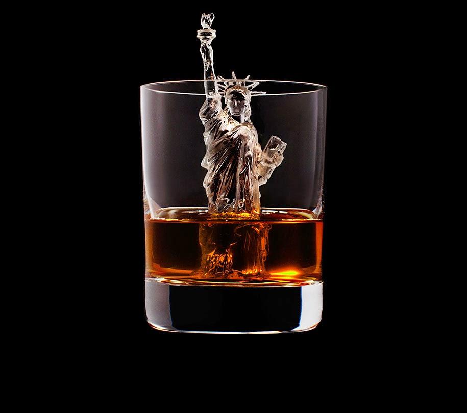 ice cube design 3d on the rocks suntory whisky-1