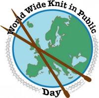 Эмблема Всемирного дня вязания на публике