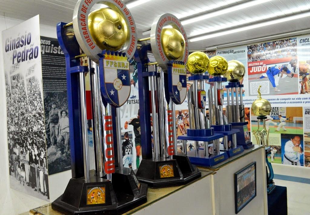Troféus integrados ao acervo do Museu do Esporte
