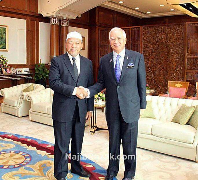 PERPADUAN ISLAM HARI INI Najib MB Kelantan bertemu di Putrajaya