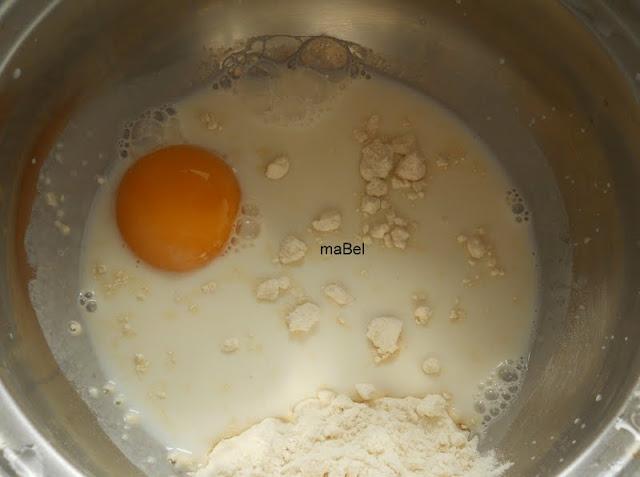 Pan de nieve con tangzhong pasteles de colores for Cocinar yemas de huevo