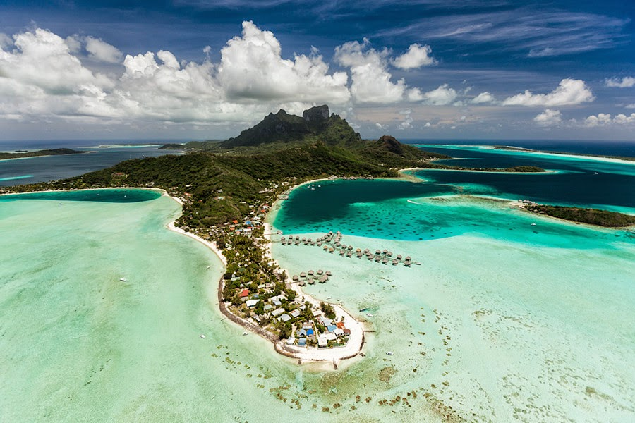 Bora Bora aerial By lenticular travel