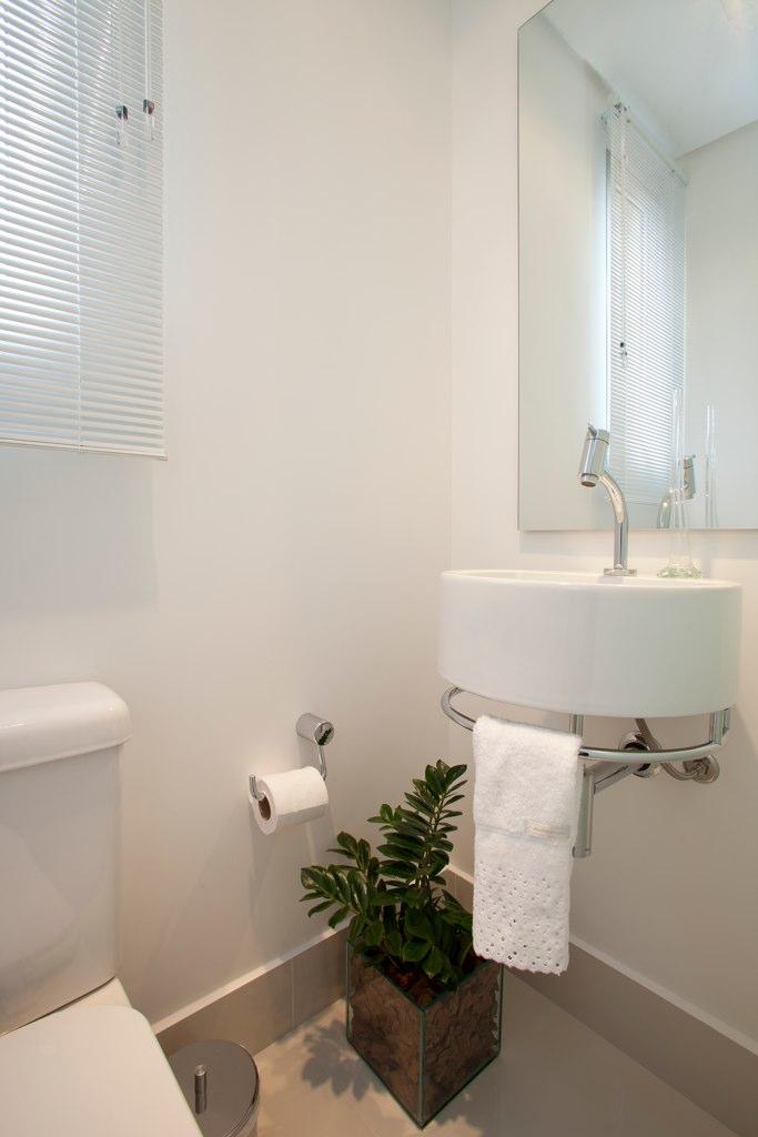 Arqui farofa arquitetura e design lavabo muito pequeno for Fotos lavabos pequenos
