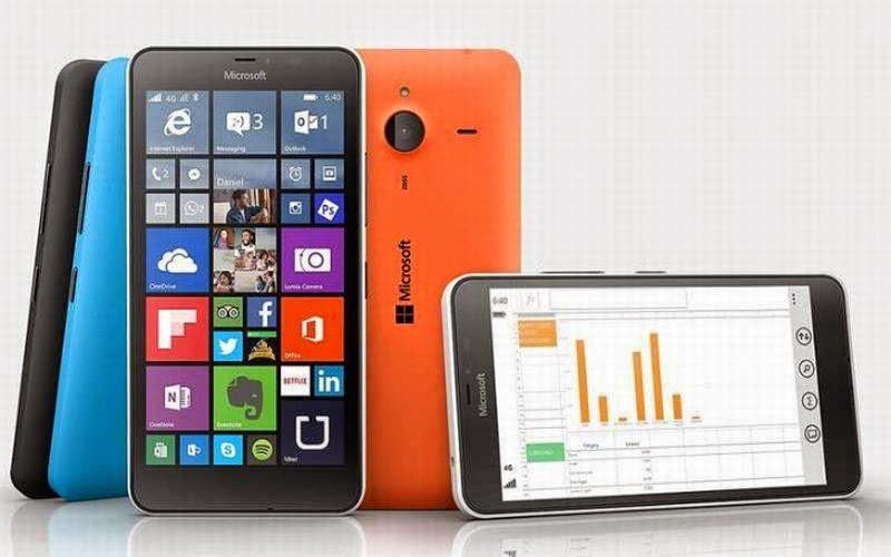 Adu Spesifikasi Moto G Generasi Kedua vs Lumia 640 XL