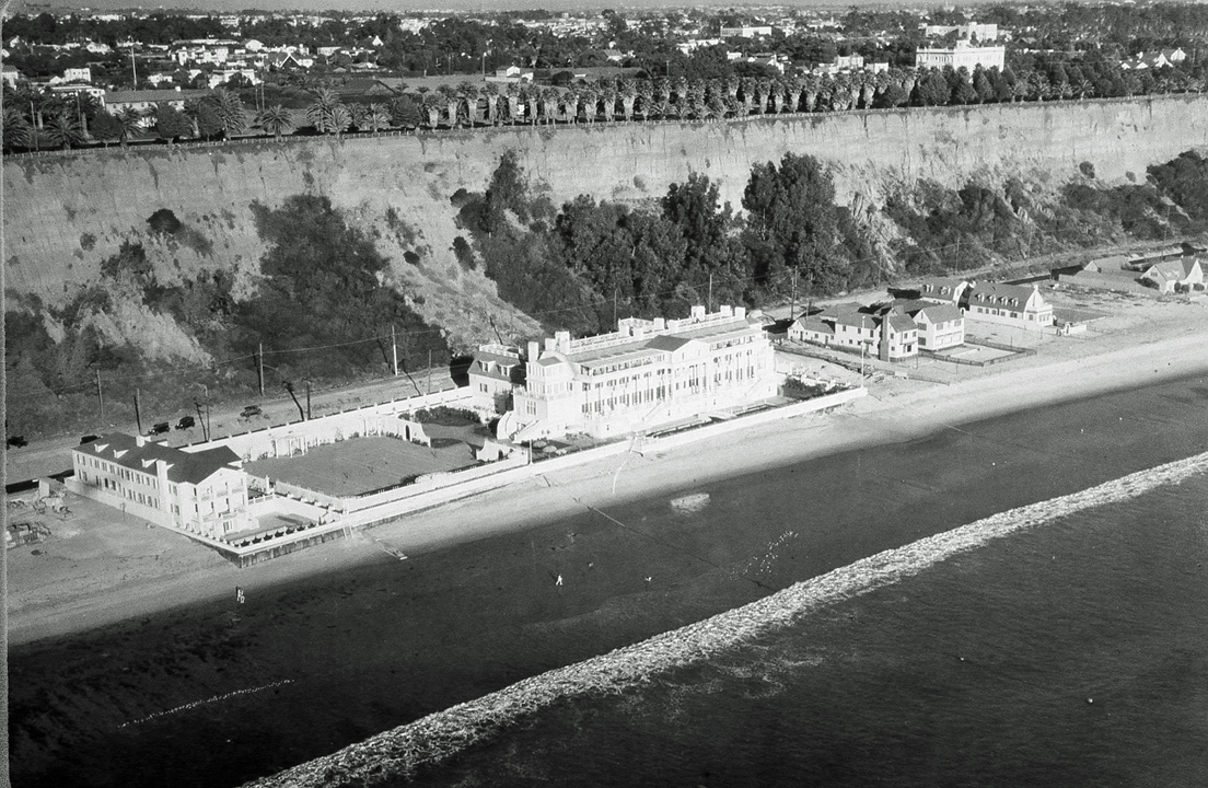 Events style stories joan crawford talk at annenberg beach house
