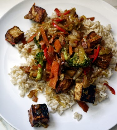 tofu and vegetable stirfry with brown rice