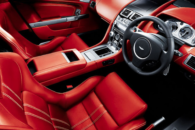 2012-Aston-Martin-V8-Vantage-Interior-rearview
