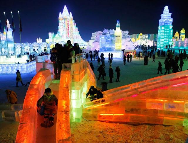 Festival Internacional de Esculturas de Hielo en Harbi, China - 2014