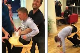Memalukan, Pria Ini Tersangkut Kursi untuk Bayi