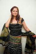 Shilpa Chakravarthy Glamorous Photos-thumbnail-11