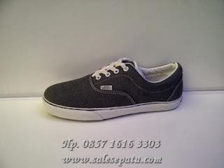Sepatu Vans Era Women's