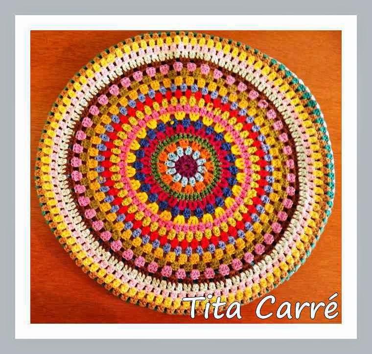 Capa para banco colorida em crochet
