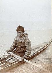 Inventores dos Caiaques (Esquimós), Surgiram na Groelândia 4.500 anos atrás