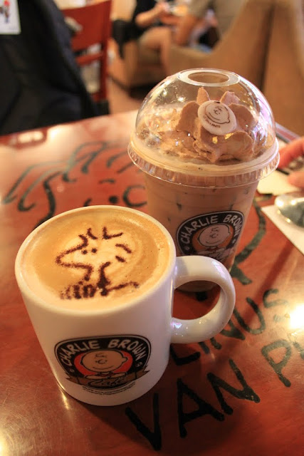 Charlie Mocha (Grande) with a Woodstock's Coffee Art and Iced Coffee at Charlie Brown Cafe at Tsim Sha Tsui in Kowloon, Hong Kong