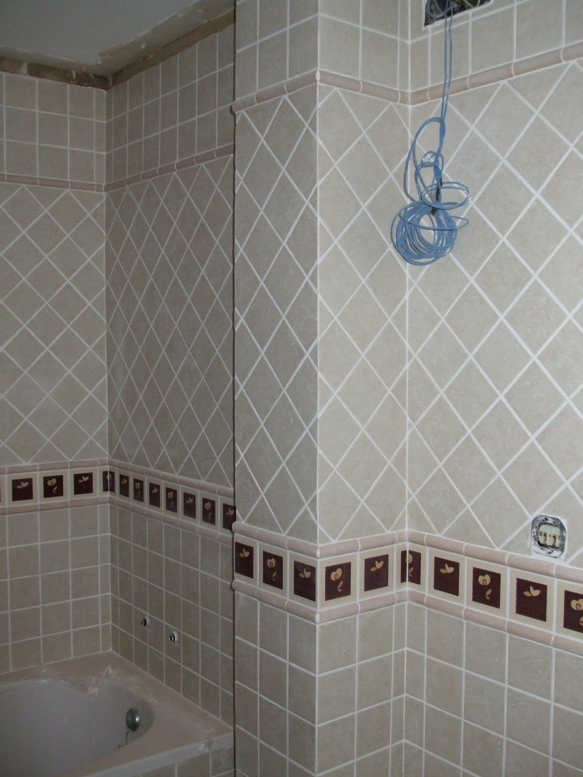 Azulejos alicatados y alicatadores cantonera o inglete for Muestras de azulejos