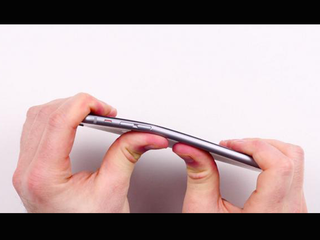 Users Complain that iPhone 6 bends In Their Pocket