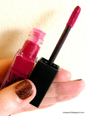 Maybelline ColorSensational Vivid Matte Liquid in Berry Boost