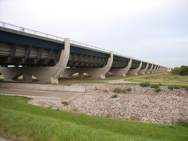نهر فوق نهر في المانيا River%20over%20a%20River%20in%20Germany%20%286%29