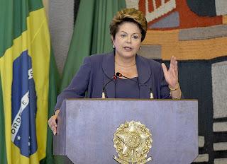O Estatuto da Juventude foi sancionado pela presidente Dilma Rousseff (Foto: Agência Brasil)