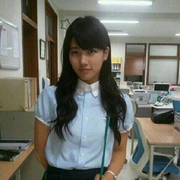 "Picture Bae Suzy ""School Girl"""
