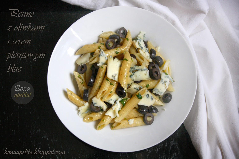 Penne z oliwkami i serem pleśniowym blue
