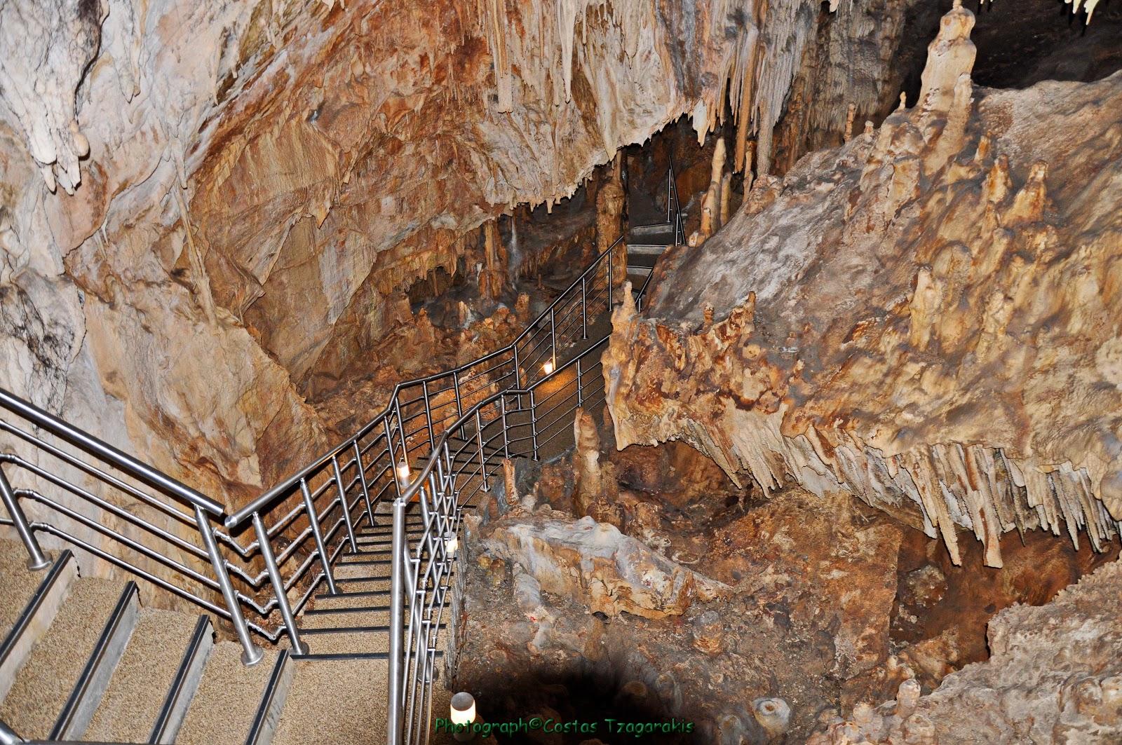 Σπήλαιο Κουτούκι Παιανίας