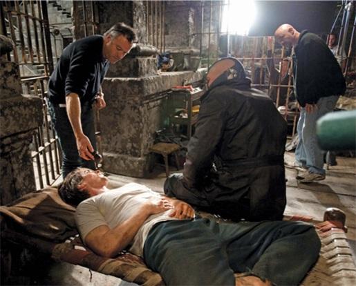 BATMAN: THE DARK KNIGHT: THE DARK KNIGHT RISES: THE PIT PRISON
