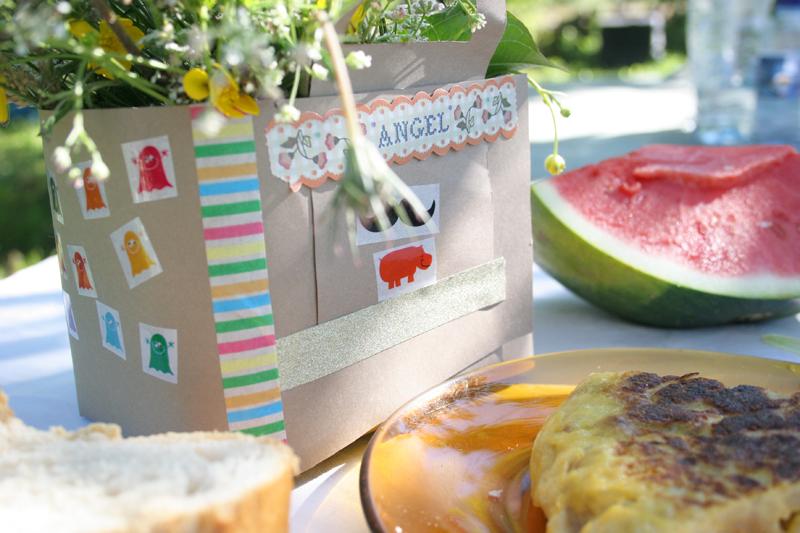 Decorar en familia_Taller de Creactividad: Diy cesta de picnic de cartón13