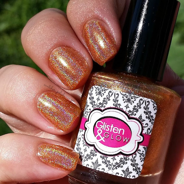 swatcher, polish-ranger | Glisten & Glow Peach Bellini in the sun