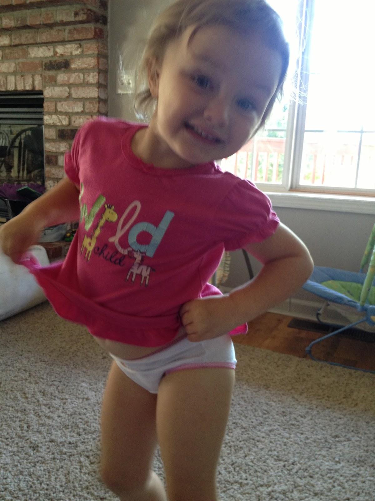 little girls peeing pics
