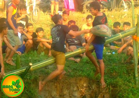 Pukul Bantal di Dusun Gardu ( REGAZ). Acara HUT RI ke 70
