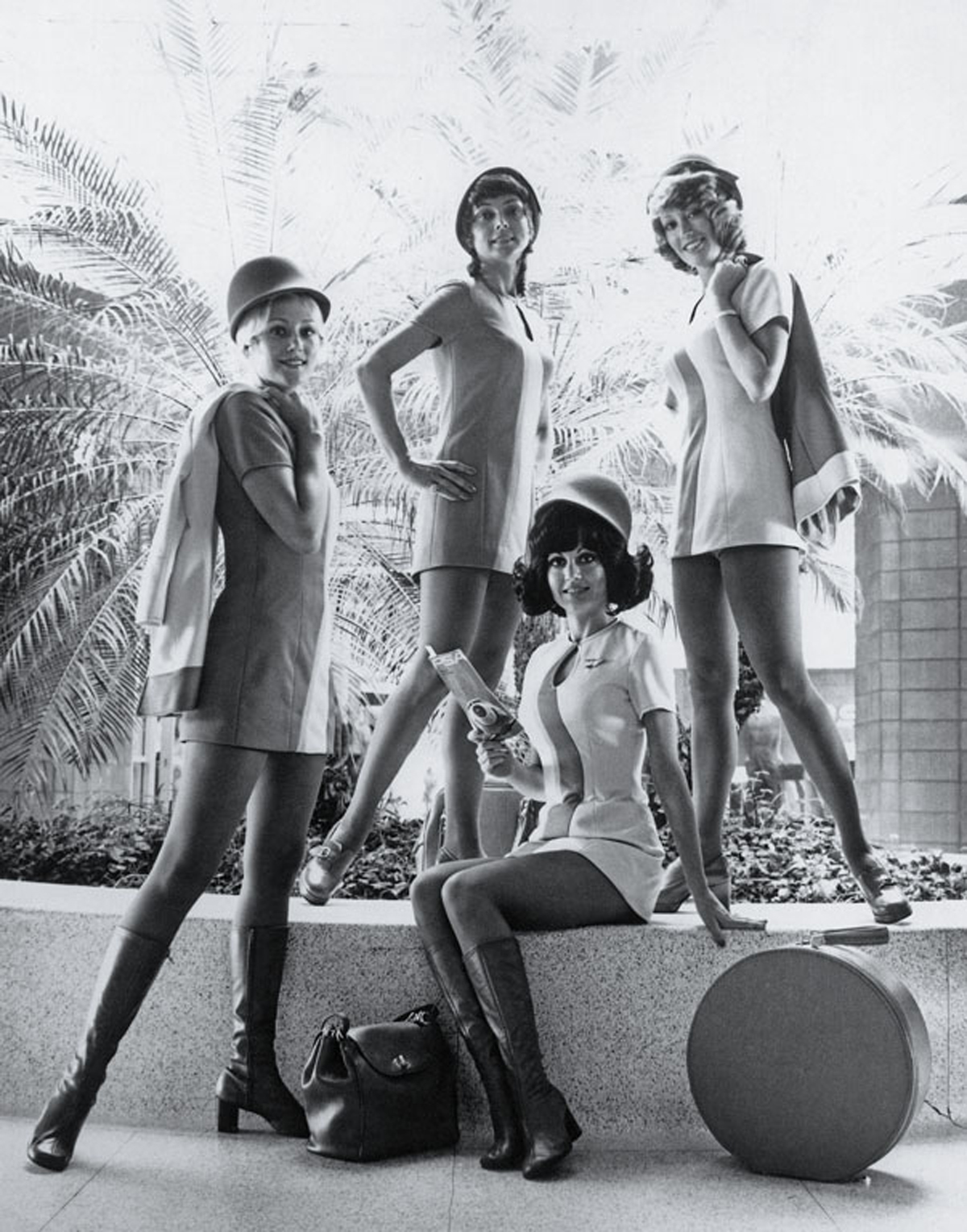shimshim flight attendants in 1970 39 s. Black Bedroom Furniture Sets. Home Design Ideas