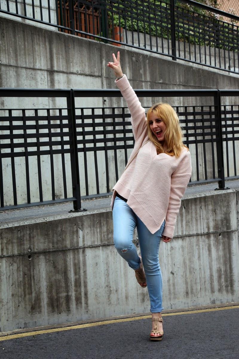 outfit_primavera-jersey_rosa-jeans_rotos-blog_moda_bilbao