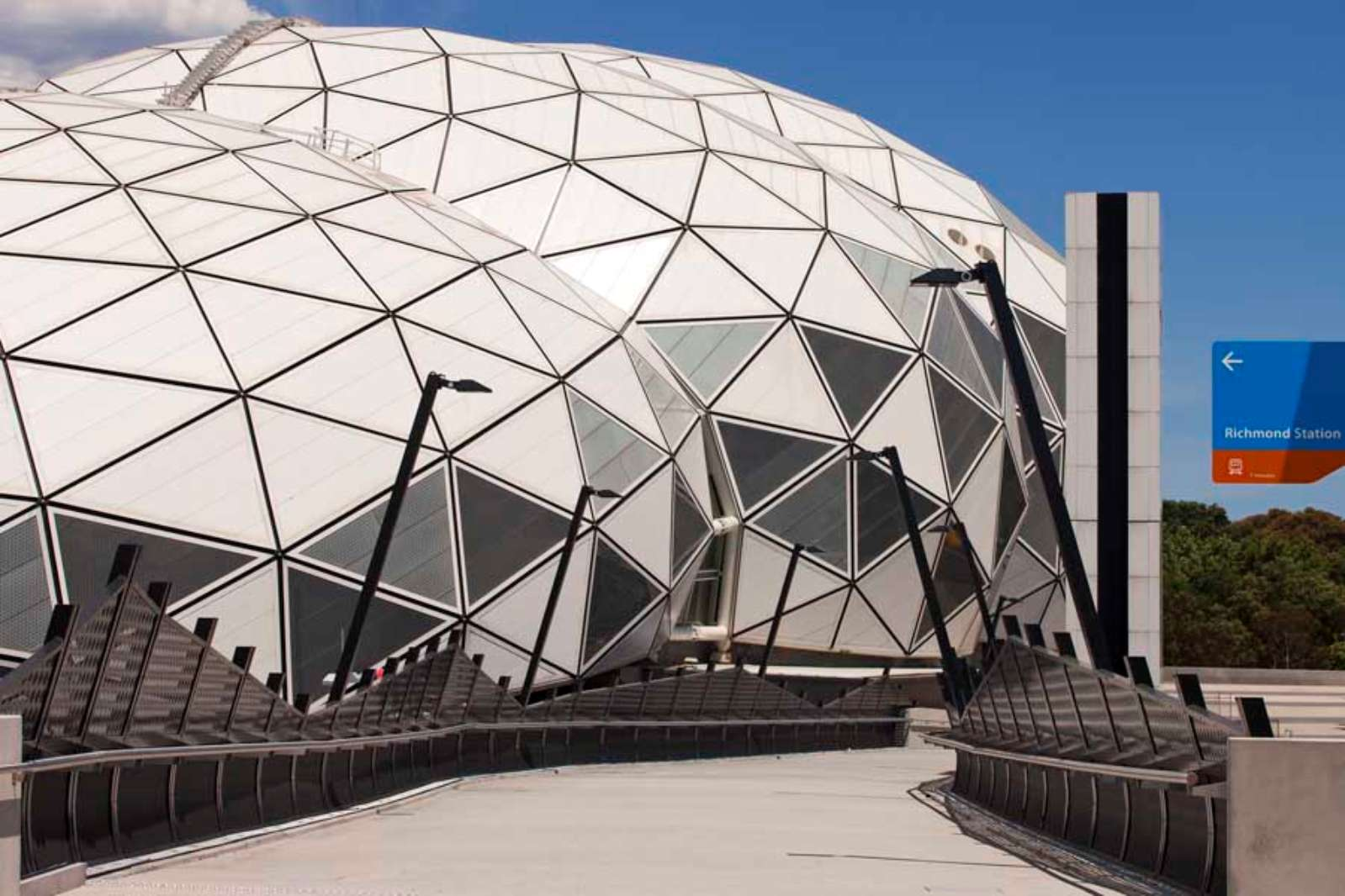 Architecture now and the future aami park by cox architecture for Cox architecture