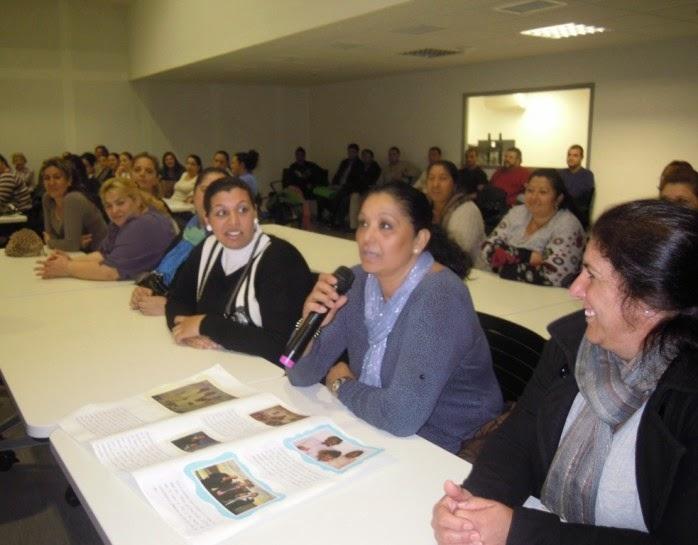 http://www.asociacionbarro.org.es/una-mirada-a-las-%E2%80%9Caportaciones-del-mundo-gitano-al-flamenco%E2%80%9D/