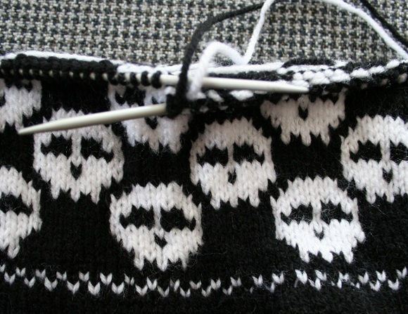 Knitted Skull Hat Pattern : Object moved