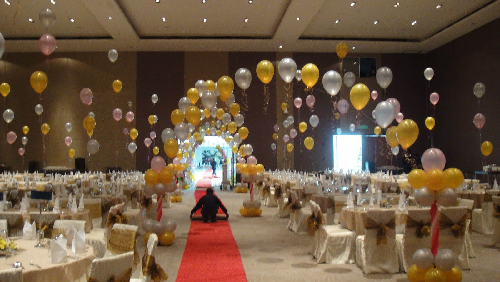 C b event company astana annual dinner balloons for Ball room decoration