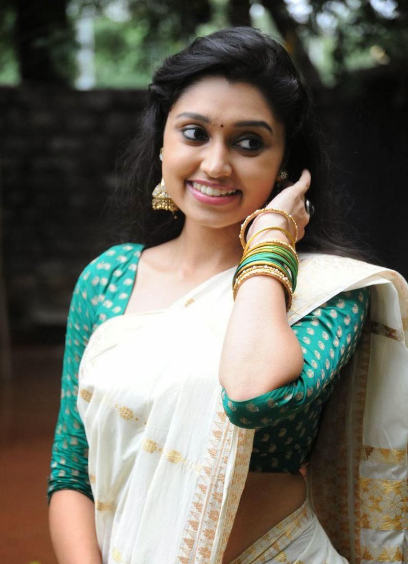 Malayalam Actress Photos without Dress Hot Saree Navel Hot ...