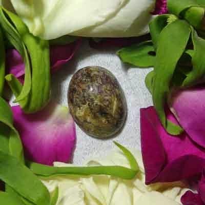 Batu Bertuah, Benda Pusaka, Mustika Asli, Mustika Kera Sakti