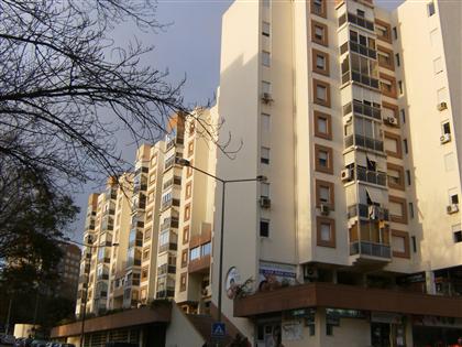 http://www.lardocelar.com/imobiliario/imovel_detalhes.jsp?id=3374643&pesq=1&offset=6&total=729