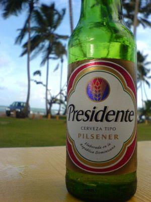 el rincón de isaco13: cerveza presidente, un placer de república