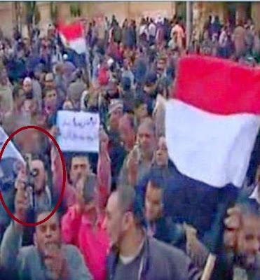 زجاجات خمور المعتصمين أمام الإتحادية